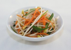 Pickled Bean Sprouts (Dua Gia)   recipe from runawayrice.com