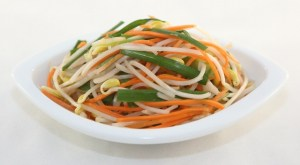 Pickled Bean Sprouts (Dua Gia) | recipe from runawayrice.com