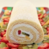 Roll Cake / Swiss Roll / Log Cake (Banh Bong Lan Cuon) - Vanilla Sponge Cake with Whipped Cream Frosting and Fresh Fruit | recipe from runawayrice.com