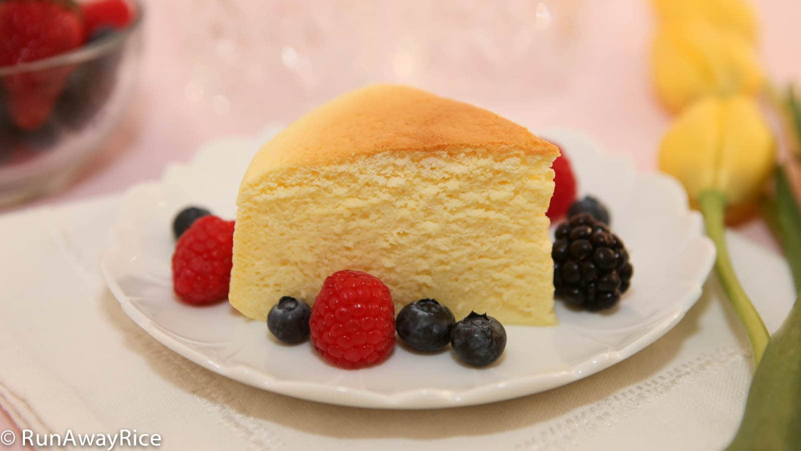 Cotton Cheesecake / Japanese Cheesecake - Unique cake is a cross between a sponge cake and cheesecake and absolutely heavenly!   recipe from runawayrice.com