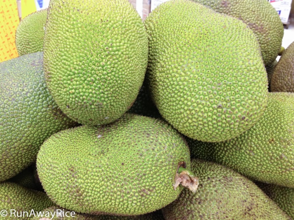 Jackfruit - Strange-Looking but Delicious Tropical Fruit | runawayrice.com