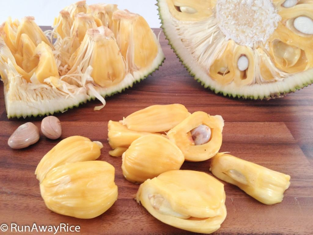 Jackfruit - A Look Inside This Exotic Tropical Fruit | runawayrice.com