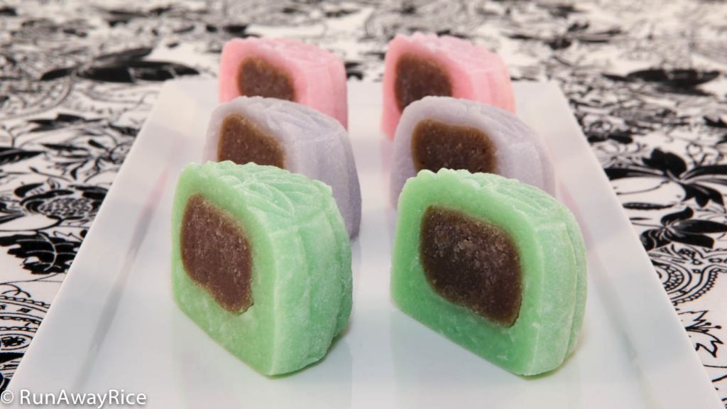 These Snowskin Mooncakes with a Taro Root filling really pop with just a bit of food coloring! | recipe from runawayrice.com