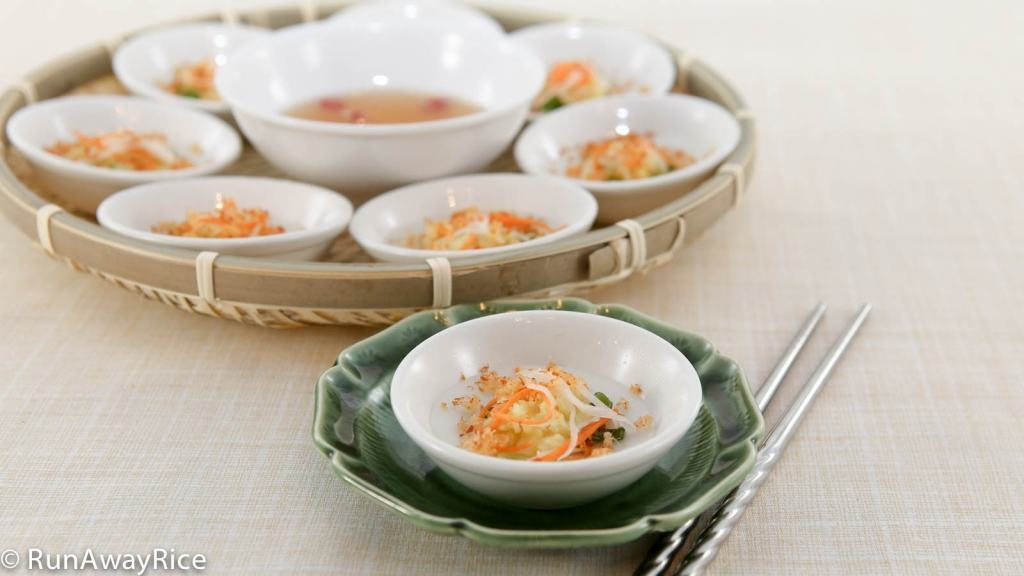 Savory Steamed Rice Cakes with Toasted Shrimp | recipe from runawayrice.com