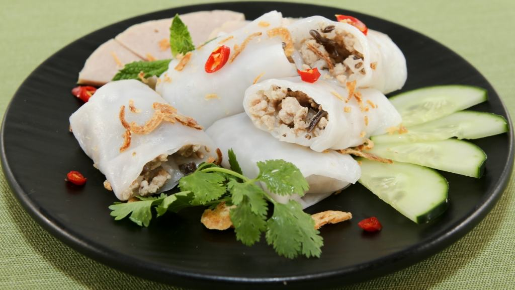 Savory Rolled Cakes (Banh Cuon) - Freshly made, these cakes are perfect as a snack or meal! | recipe from runawayrice.com