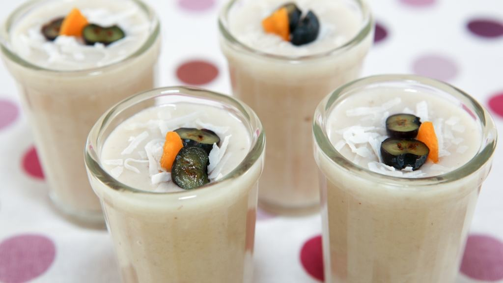 Taro Smoothie (Sinh To Khoai Mon) - Healthy Delicious Recipe | recipe from runawayrice.com