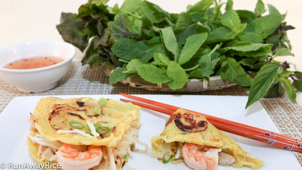 Assorted Herbs with Sizzling Savory Crepes (Banh Xeo) | recipe from runawayrice.com