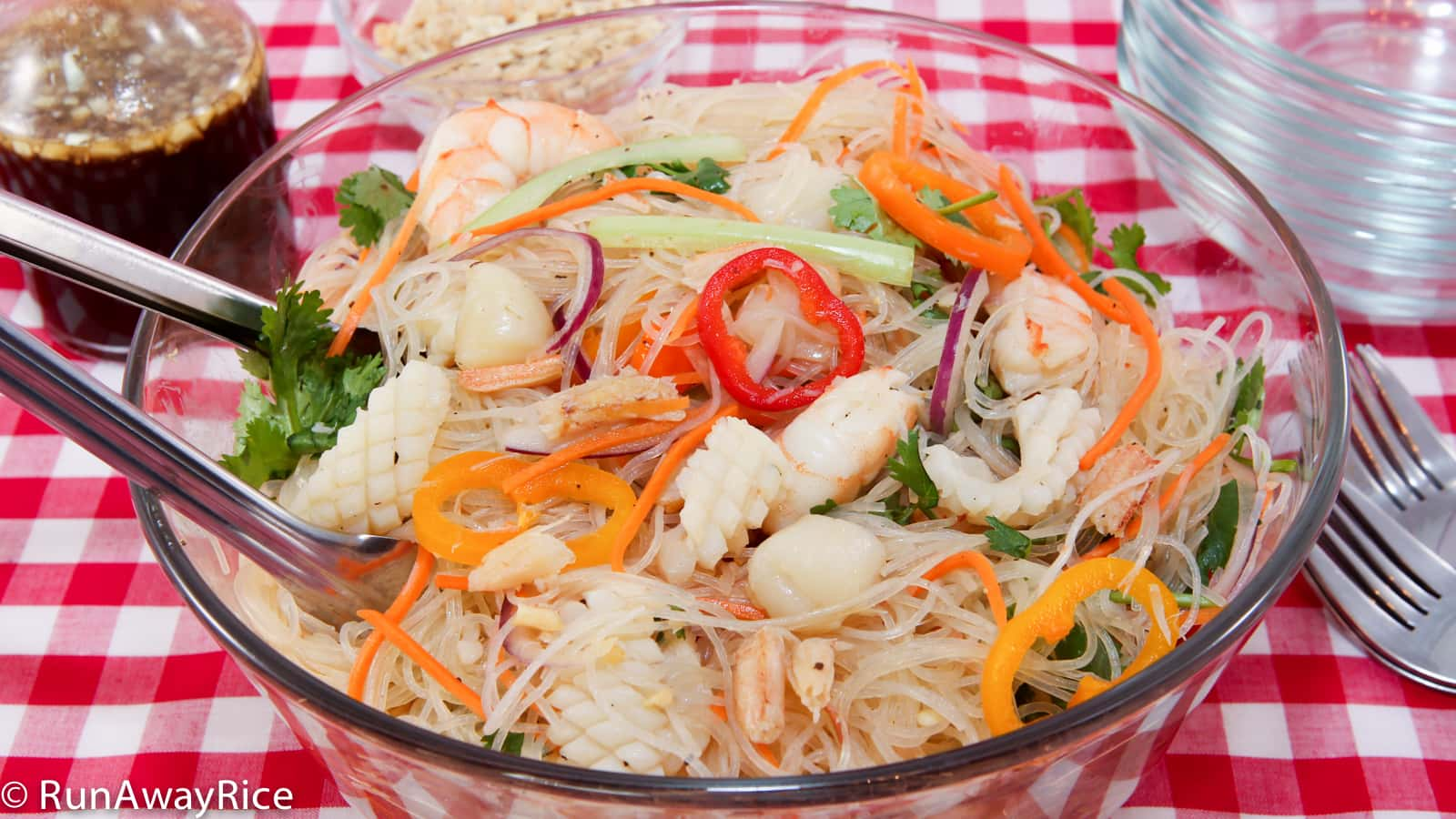 Glass Noodle Salad With Seafood Goi Mien Tron Hai San