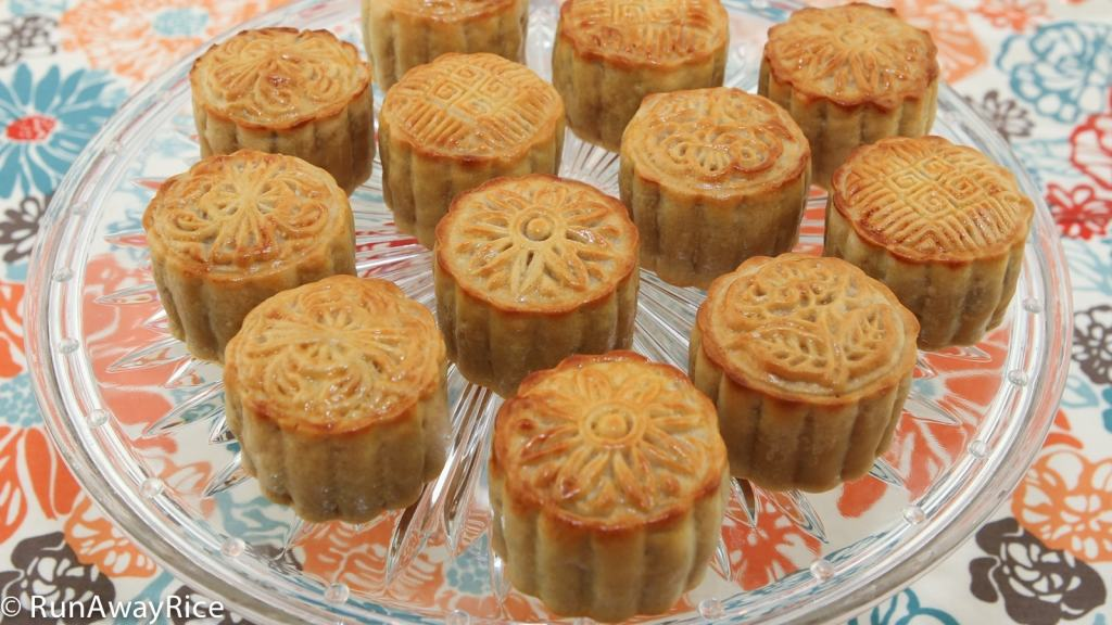 Homemade mooncakes--beautiful and so much fun to make! recipe from runawayrice.com