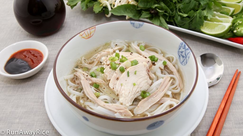 Instant Pot Pho Ga / Vietnamese Chicken Noodle Soup - Authentic and Easy Recipe | recipe from runawayrice.com