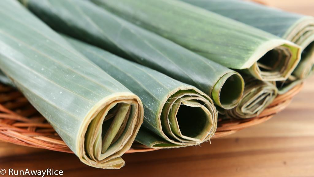 Tips and tricks for preparing banana leaves for your favorite Asian dishes | runawayrice.com