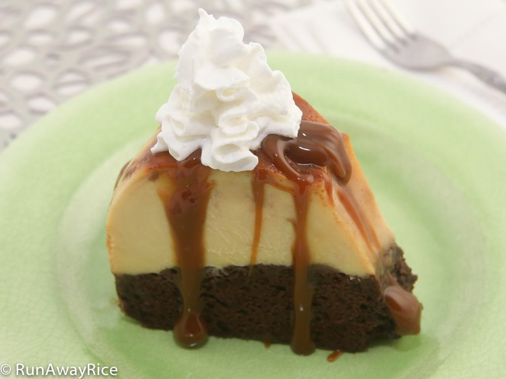 So Amazing Chocolate Flan Cake | recipe from runawayrice.com