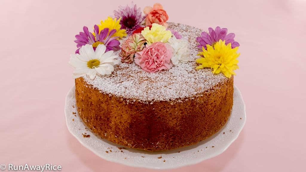 Springtime Dessert: Orange Chiffon Cake with Edible Flowers | recipe from runawayrice.com