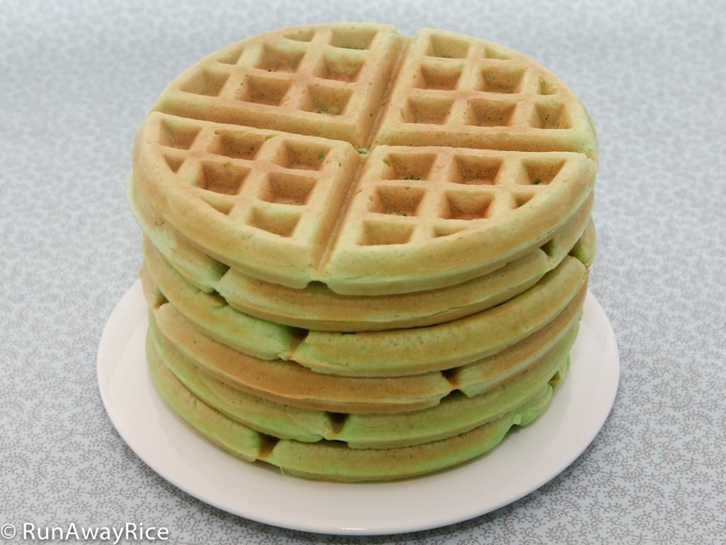 Pandan Waffles (Banh Kep La Dua) - Crispy, Wonderfully Aromatic Waffles! | recipe from runawayrice.com