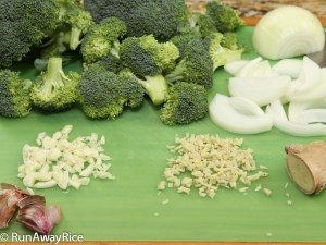 5-Spice Beef and Broccoli: Prepping the Vegetables | recipe from runawayrice.com