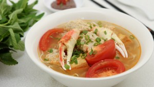 Crab Noodle Soup (Bun Rieu) - So Hearty and Delicious! | recipe from runawayrice.com