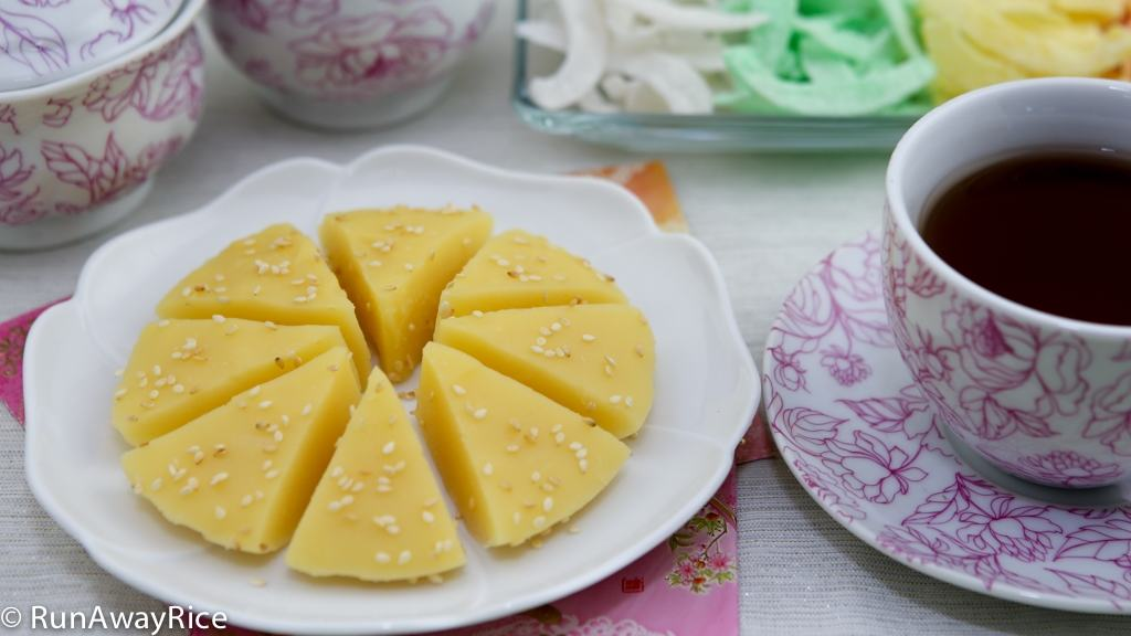 Lunar New Year Sweet Treat: Mung Bean Pudding (Che Kho) | recipe from runawayrice.com