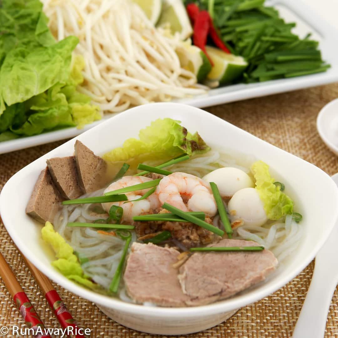 Pork and Shrimp Clear Noodle Soup (Hu Tieu) - Tasty Recipe ...
