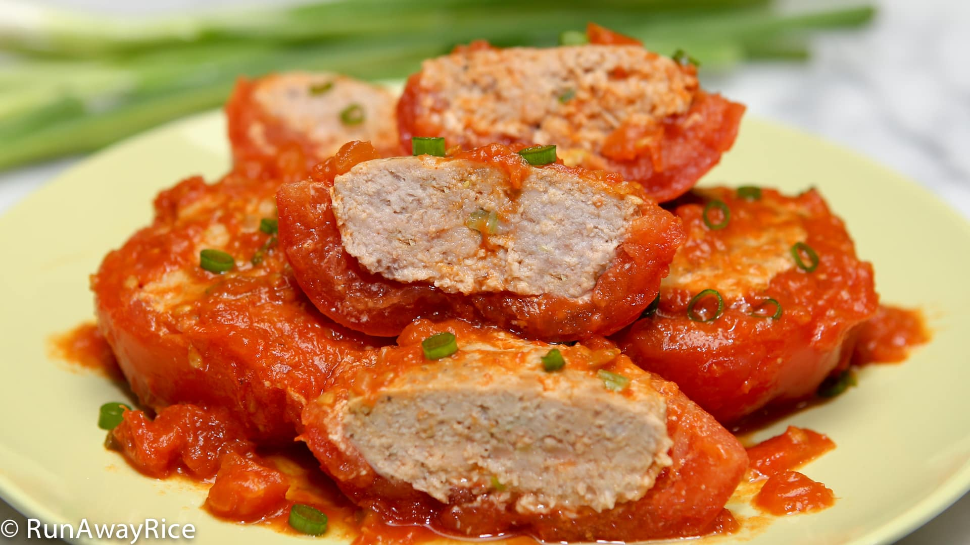 Hearty and delicious Stuffed Tomatoes (Ca Chua Nhoi Thit)