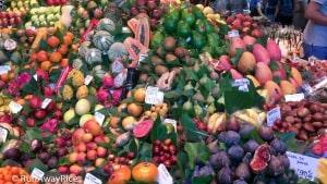Abundant Fresh Fruit at La Boqueria Market | runawayrice.com
