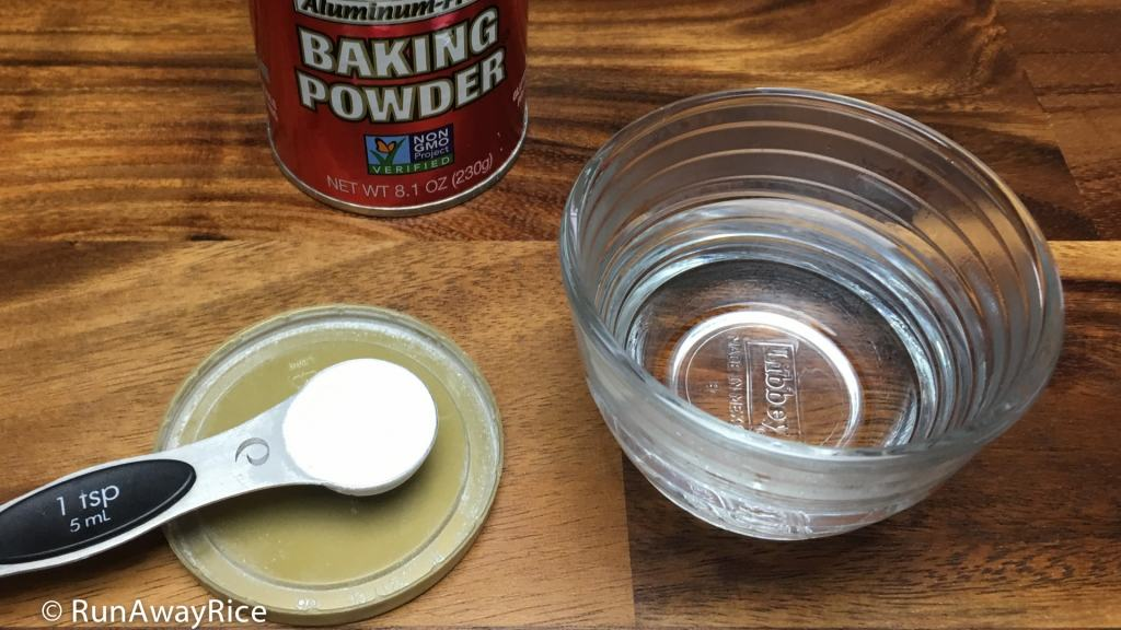 10 Second Baking Powder Test: 1 tsp baking powder and hot water | runawayrice.com