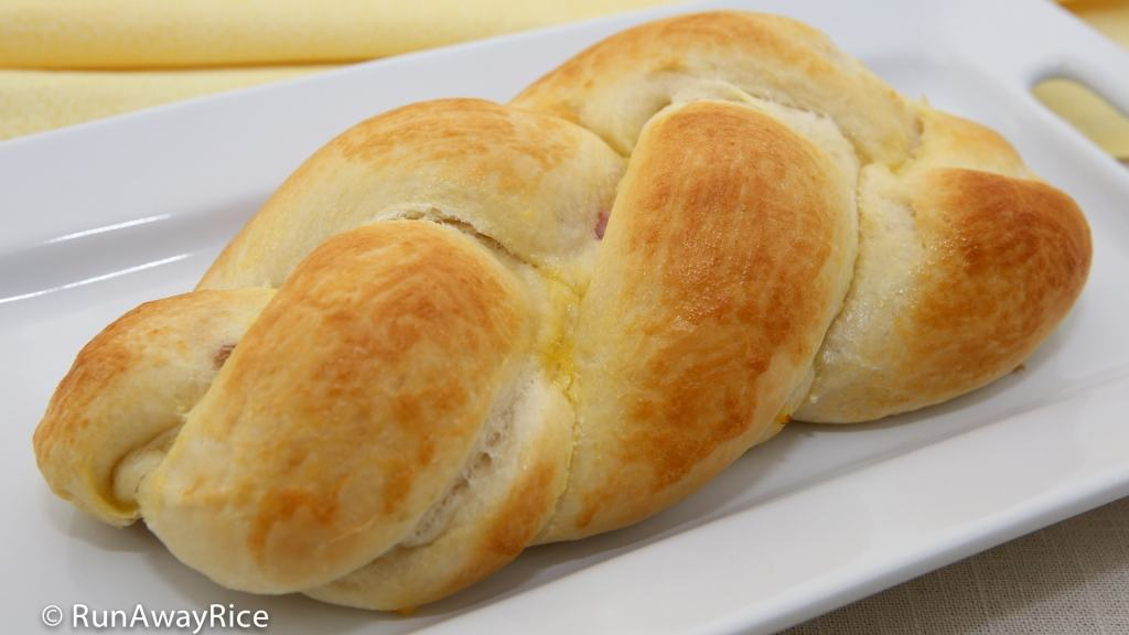 Ham and Cheese Braided Bread | recipe from runawayrice.com