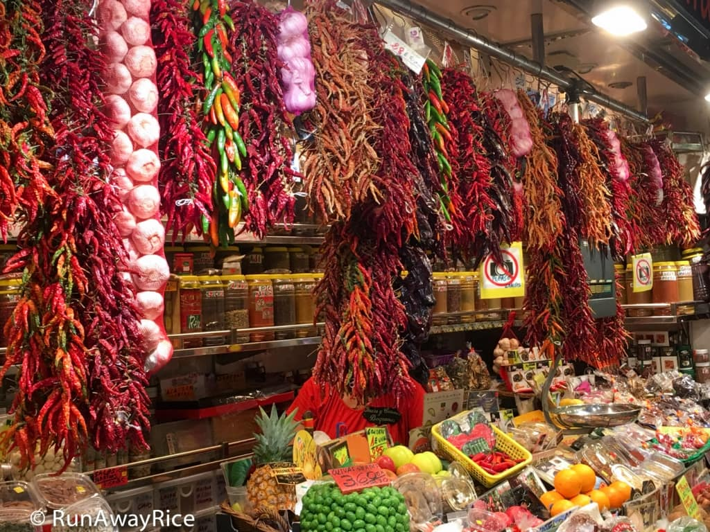 Assorted Dried Red Peppers at La Boqueria Market | runawayrice.com