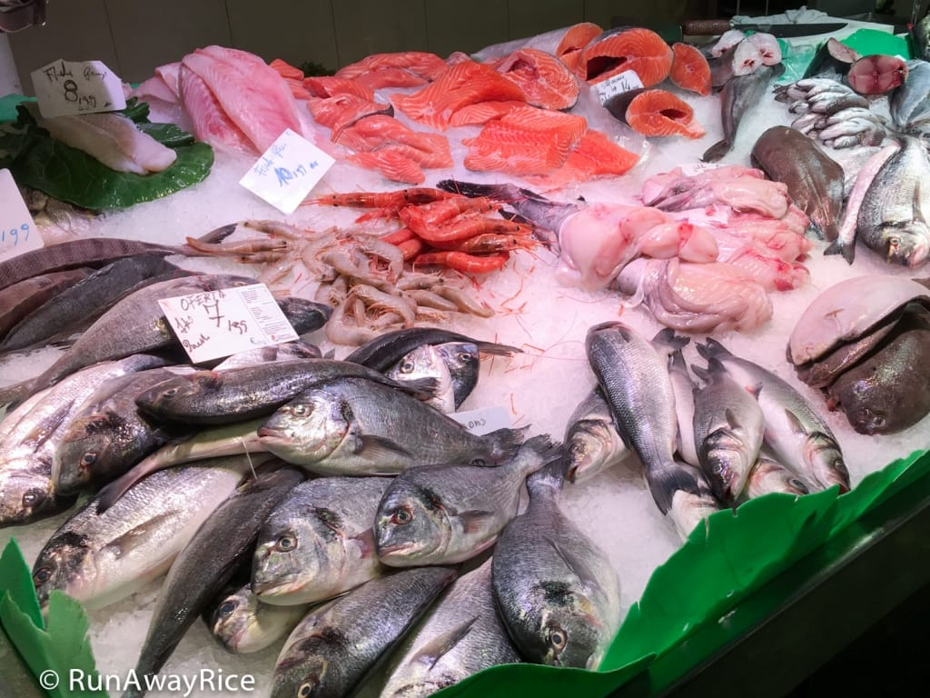 Fresh Fish and Seafood at La Boqueria Market | runawayrice.com