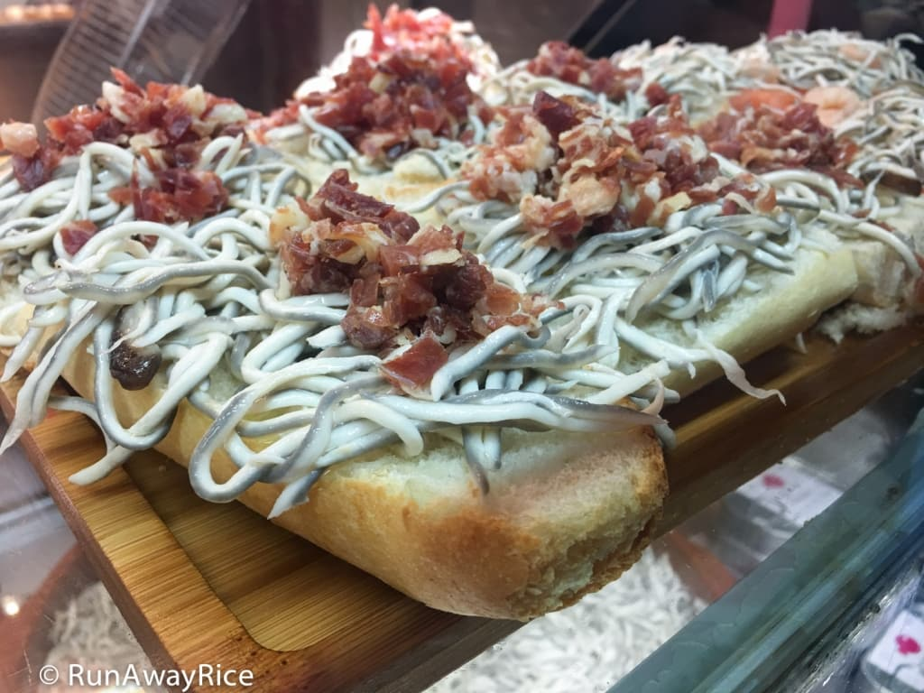 Mercado de San Miguel - Gulas (Shredded Alaskan Pollock) on Crusty Bread | runawayrice.com