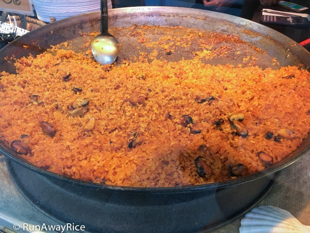Mercado de San Miguel - Seafood Paella | runawayrice.com