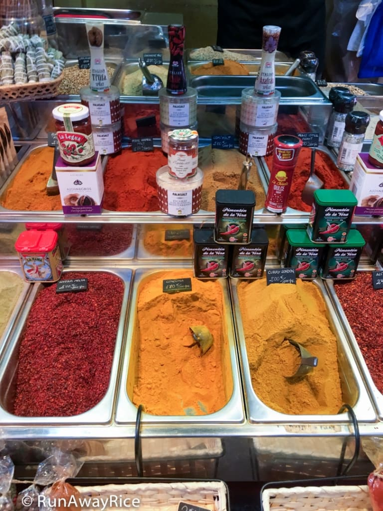 Fragrant Spices at La Boqueria Market | runawayrice.com