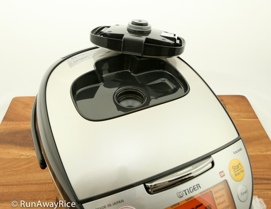 Tiger IH 5.5 Rice Cooker - Showing removable Steam Cap | runawayrice.com