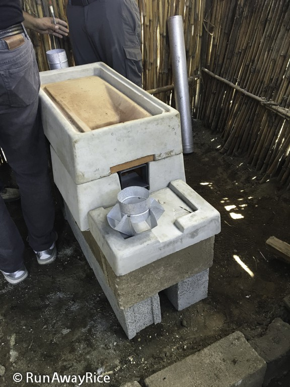 Second Onil Stove Installation | runawayrice.com