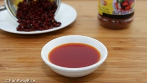 Annatto Oil /Achiote Oil (Dau Mau Dieu) - staple ingredient in many Asian and Latin dishes | recipe from runawayrice.com