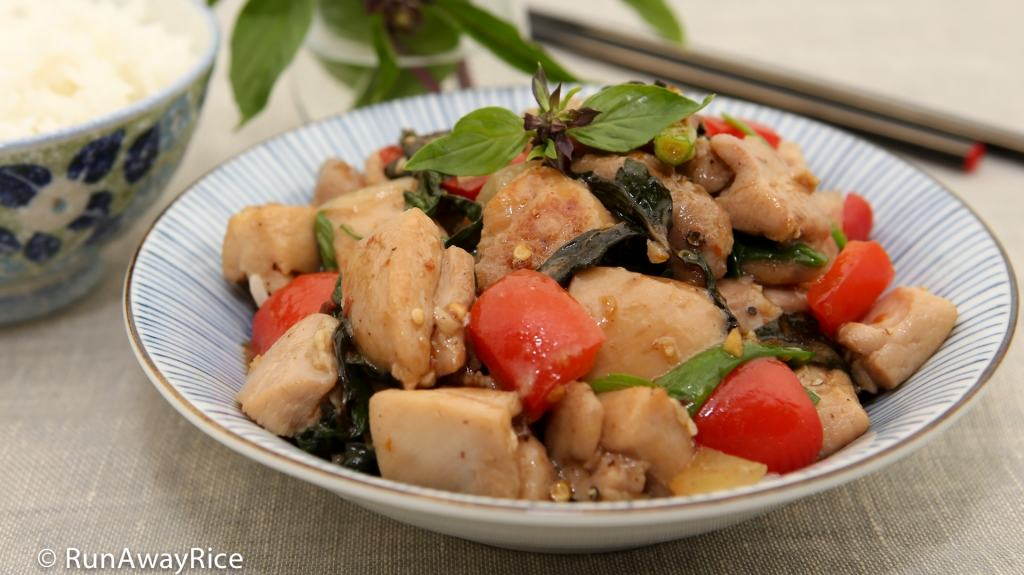 Thai Basil Chicken (Ga Xao La Que) - savory, flavorful stir-fry! | recipe from runawayrice.com