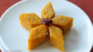 Cassava Pumpkin Cake - delicious duo, scrumptious cake! | recipe from runawayrice.com