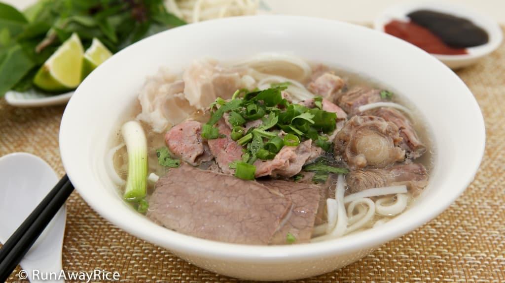 Vietnamese Beef Noodle Soup (Pho Bo) - quintessential Vietnamese noodle soup | recipe from runawayrice.com