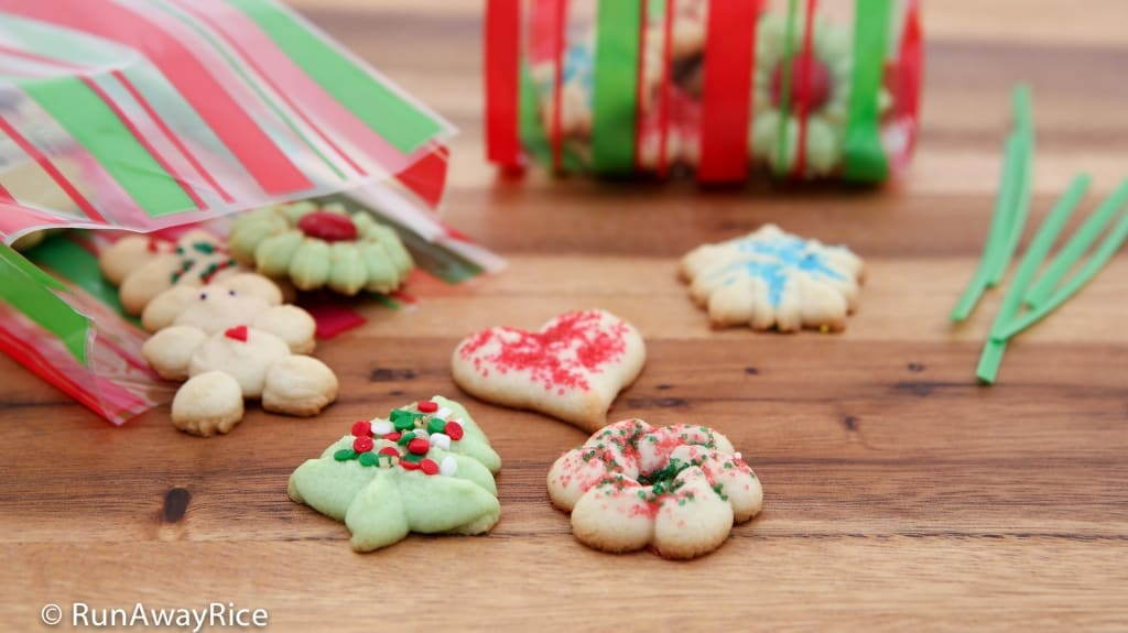 Holiday Butter Cookies (Banh Bo) - perfect sweet treats for gifting and sharing! | recipe from runawayrice.com
