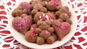 Chocolate Shortbread Cookies for Valentine's Day - Adorable heart and teddy bear cookies decorated with Valentine sprinkles and sanding sugar | recipe from runawayrice.com
