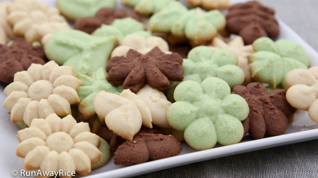 Chocolate Shortbread Cookies, Vanilla Butter Cookies and Pandan Butter Cookies - delicious and easy press cookies | recipe from runawayrice.com