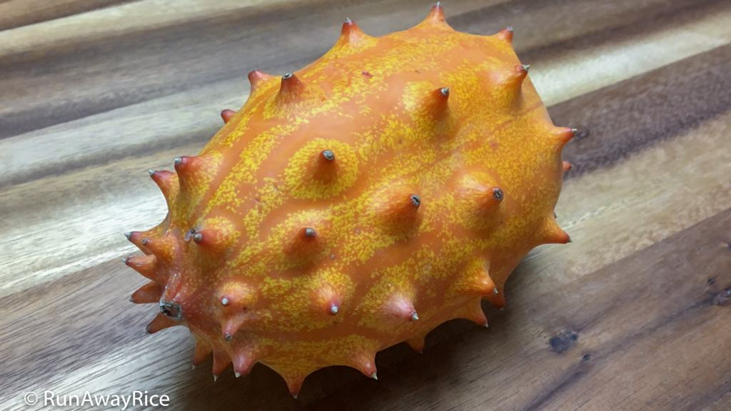 Kiwano Melon / Horned Melon - How Does It Taste? | runawayrice.com