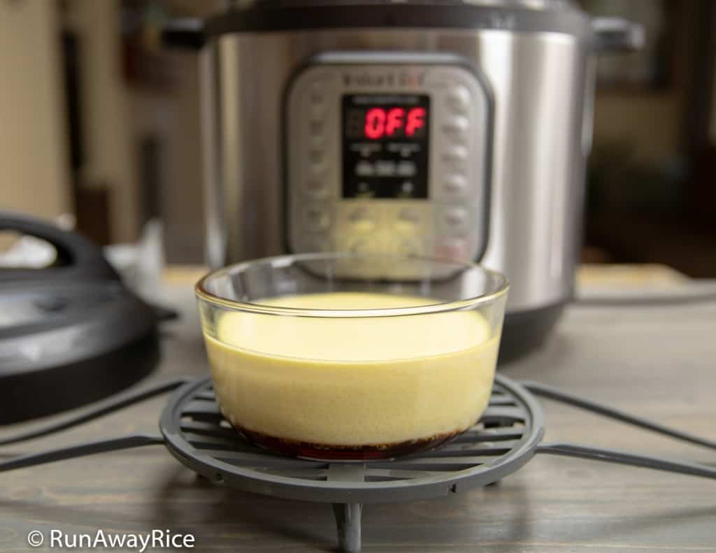 Instant Pot Flan / Caramel Custard / Banh Flan - Super Easy Pressure Cooker Recipe | from runawayrice.com