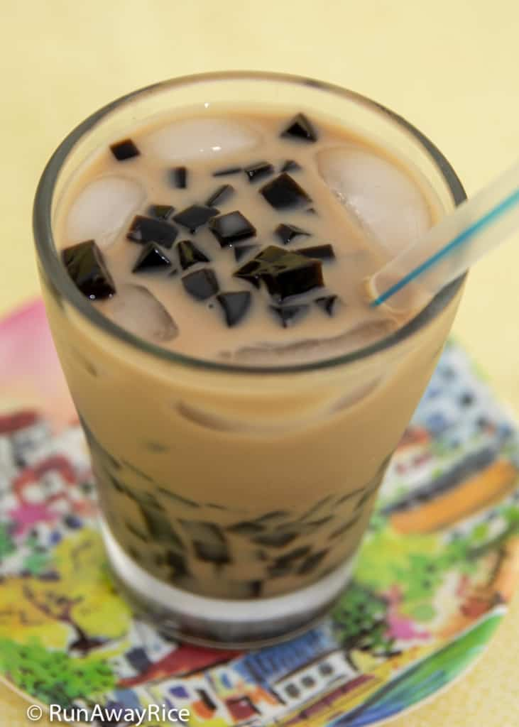 Grass Jelly (Suong Sao) - Delicious Boba Alternative | recipe from runawayrice.com