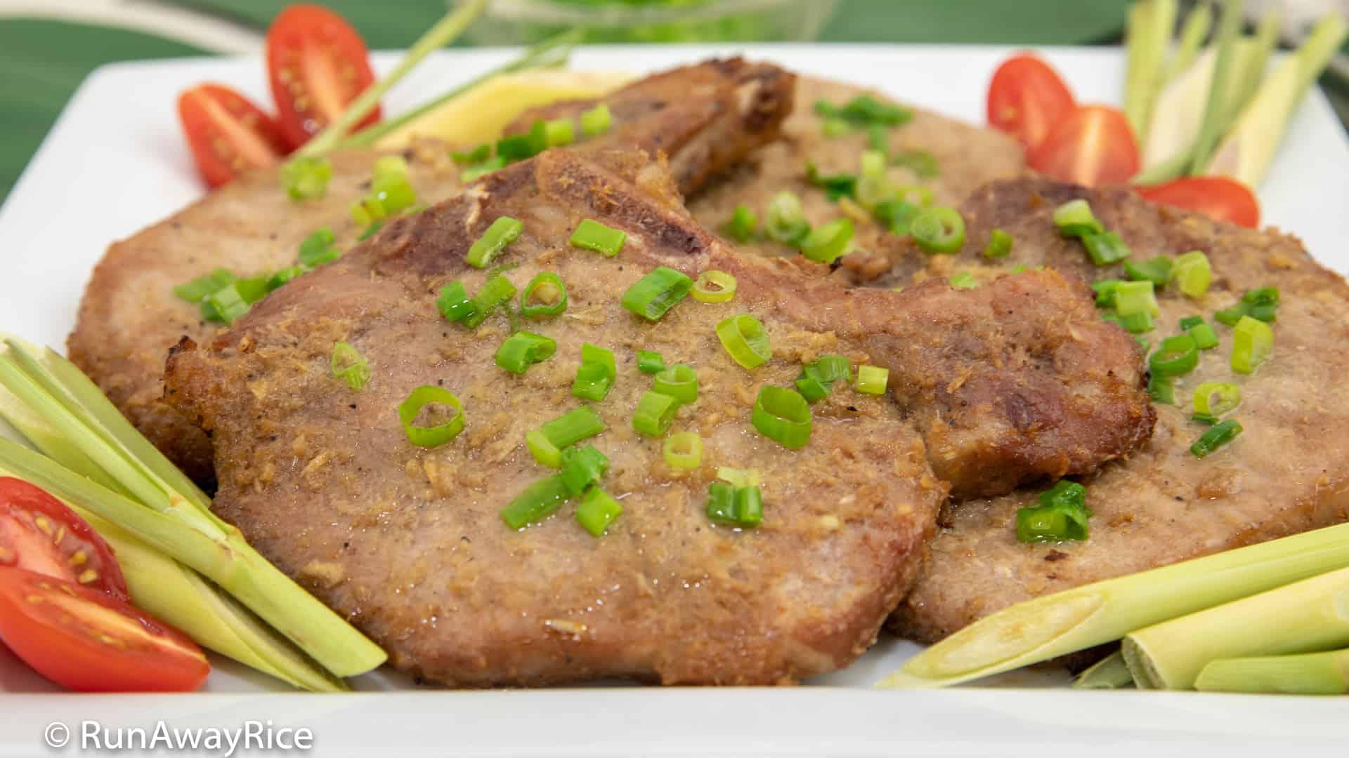 Grilled Lemongrass Pork Chops (Suon Nuong Xa) - Restaurant Recipe Revealed | recipe from runawayrice.com