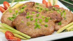 Grilled Lemongrass Pork Chops (Suon Nuong Xa) - Classic Viet Dish, Super Easy Recipe   recipe from runawayrice.com