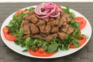 Sizzling Shaken Beef (Bo Luc Lac) - Delicious Restaurant-Style Recipe   recipe from runawayrice.com