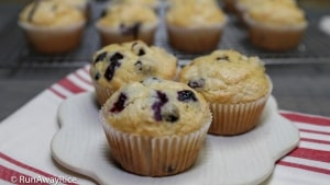 Blueberry Okara Muffins - Fluffy, Moist Muffins! | recipe from runawayrice.com