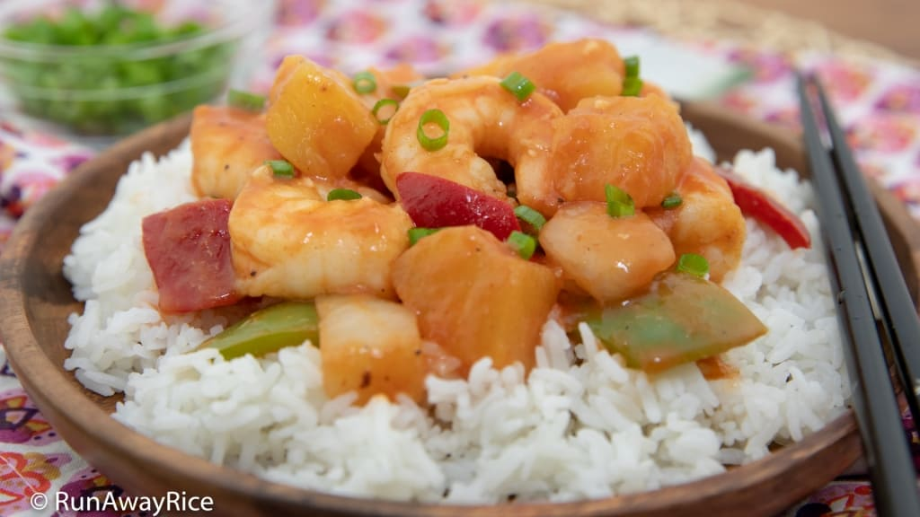 Sweet and Sour Shrimp (Tom Xao Chua Ngot) - Better than Take-Out! | recipe from runawayrice.com
