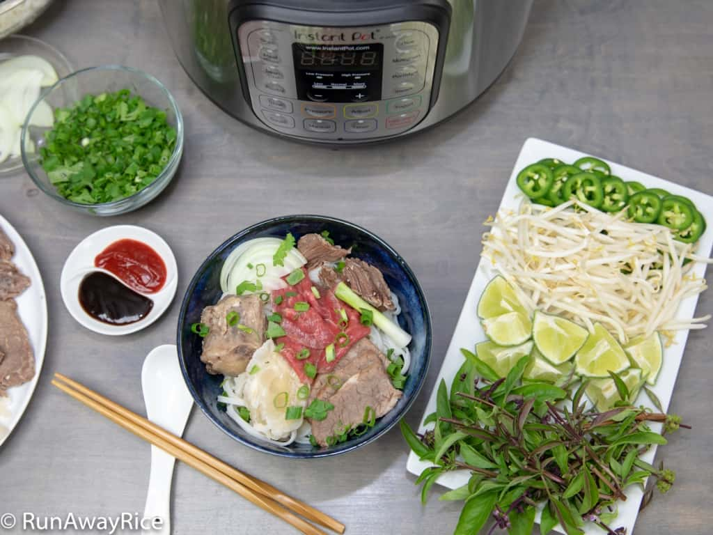 Instant Pot Beef Pho / Vietnamese Beef Noodle Soup / Pho Bo - Shortcut Recipe, Authentic Flavors! | recipe from runawayrice.com