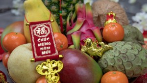 Fruits for Lunar New Year - How to Make a Gorgeous Fruit Plate!   runawayrice.com